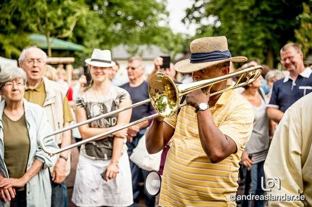New-Orleans-Jazz-Festival_DATEs_010_Foto_Andreas_Lander.jpg