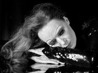 """Susanne Bard kehrt als """"Grand Diva"""" zurück"""
