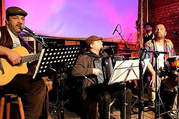Starbridge Folk Band