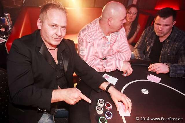 Las-Vegas-Baby_025_Peer_Post.jpg