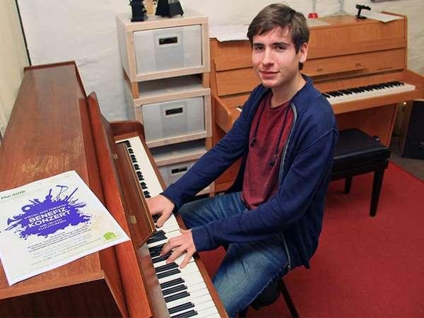 Alexander Kiel ist Pianist