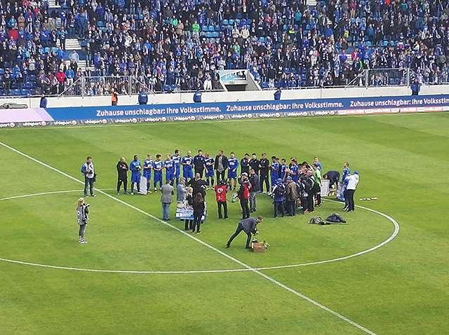 Spielerverabschiedung nach Würzburg-Spiel