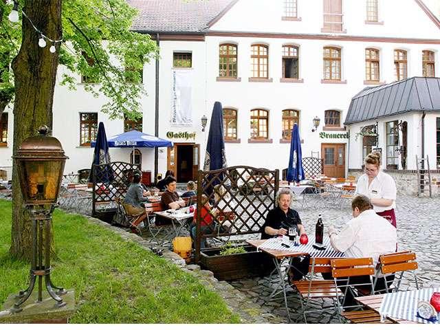 Wasserburg zu Gommern - Biergarten
