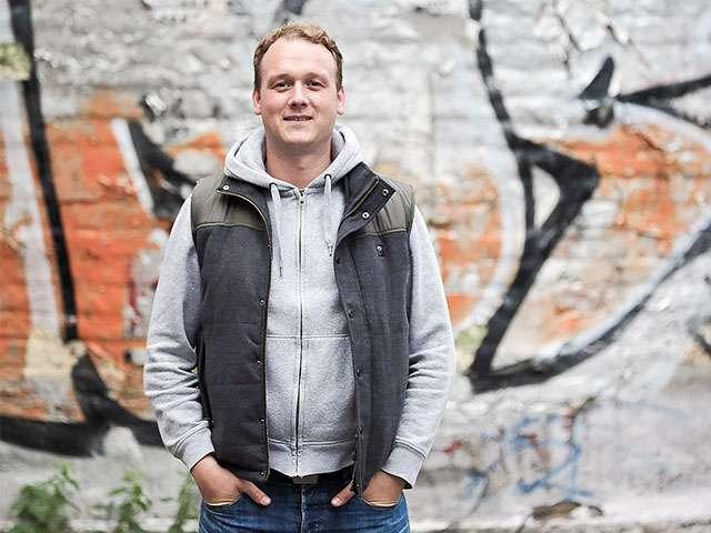 Fotograf Matthias Sichting macht Holzbildchen