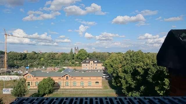 Domblick: Schäfchenwolken überm Dom