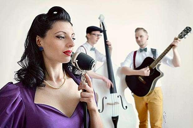 MissLeslyK & The Lucky Tunes