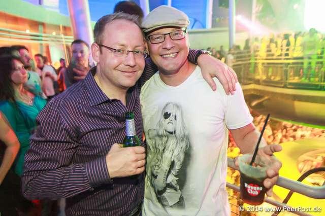 Saturday-Night-Club_001_Peer_Post.jpg