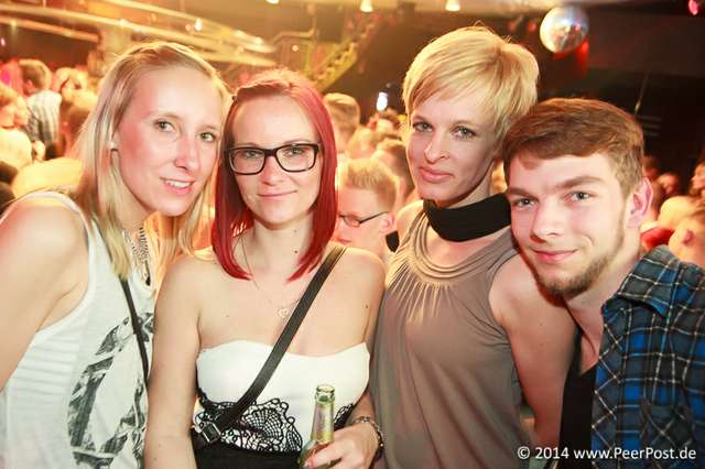 Saturday-Night-Club_003_Peer_Post.jpg