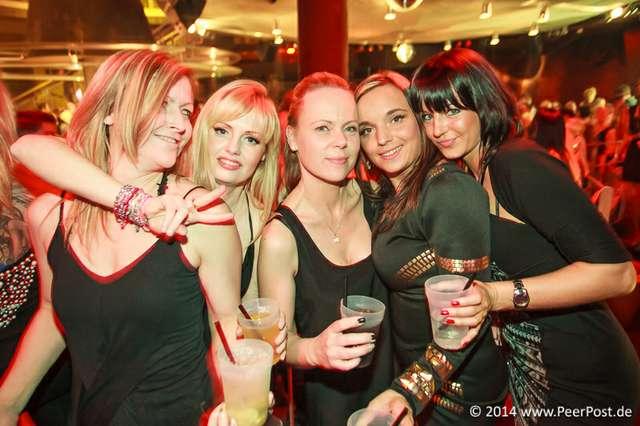 Saturday-Night-Club_004_Peer_Post.jpg