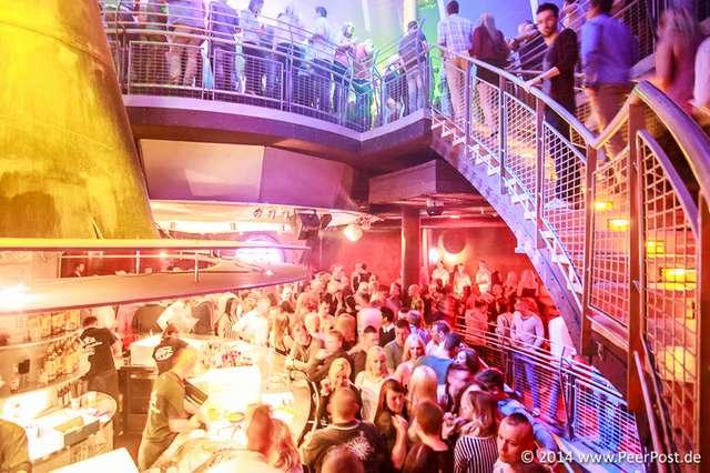 Saturday-Night-Club_005_Peer_Post.jpg