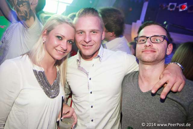 Saturday-Night-Club_006_Peer_Post.jpg