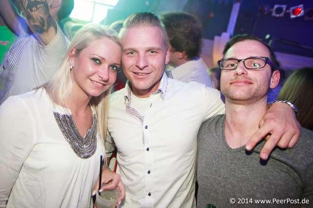 Saturday-Night-Club_006_Peer_Post.jpg