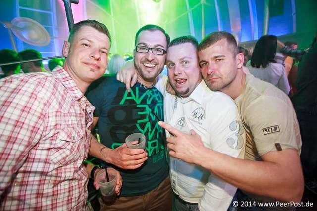 Saturday-Night-Club_013_Peer_Post.jpg
