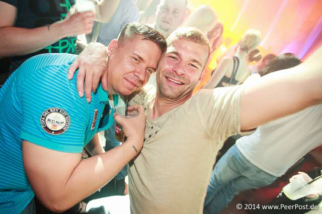 Saturday-Night-Club_014_Peer_Post.jpg