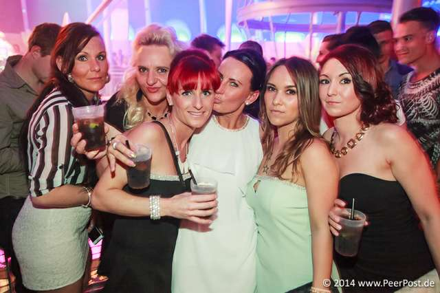 Saturday-Night-Club_016_Peer_Post.jpg