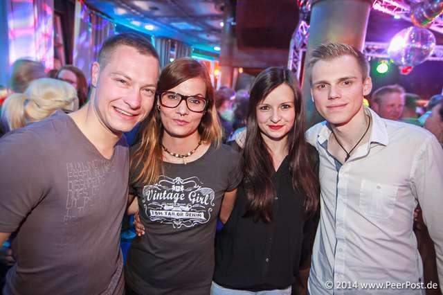 Saturday-Night-Club_025_Peer_Post.jpg