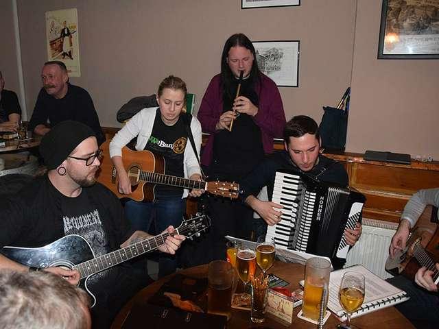MacSlon's Irish Session