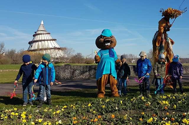 Kita Trinitatis weckt Blumen auf