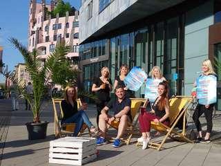 Ibiza-Bar am Häusermeer lädt zum Chillen