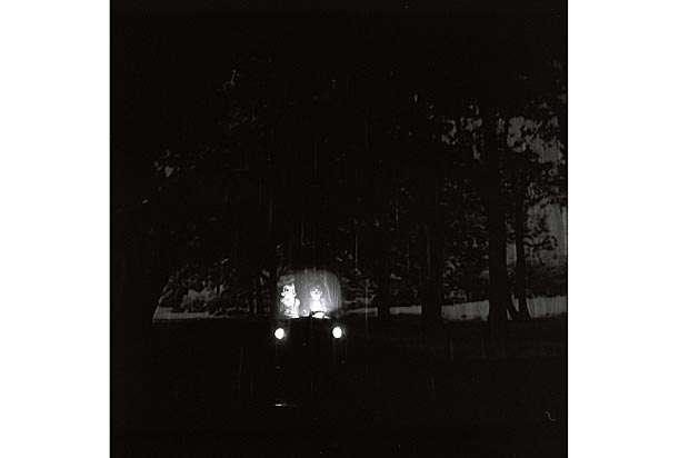 In einer regnerischen Nacht