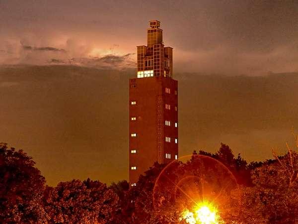 Albinmüllerturm bei Nacht