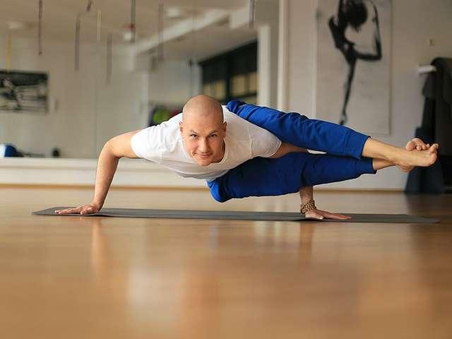 Yoga-Trainer Alexander Rech