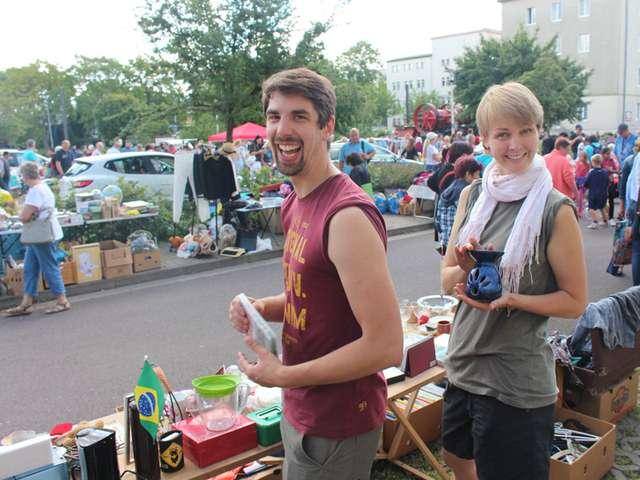 Sonntagsflohmarkt