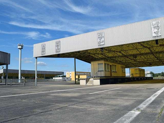Landtag---Marienborn_Außengelände-LKW-Einreise.jpg