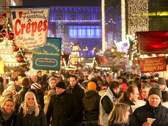 Weihnachtsmarkt Magdeburg - 11 Glühweinhütten, 53 Imbissstände
