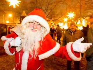 Magdeburger Weihnachtsmarkt - Zur Eröffnung kommt der Weihnachtsmann