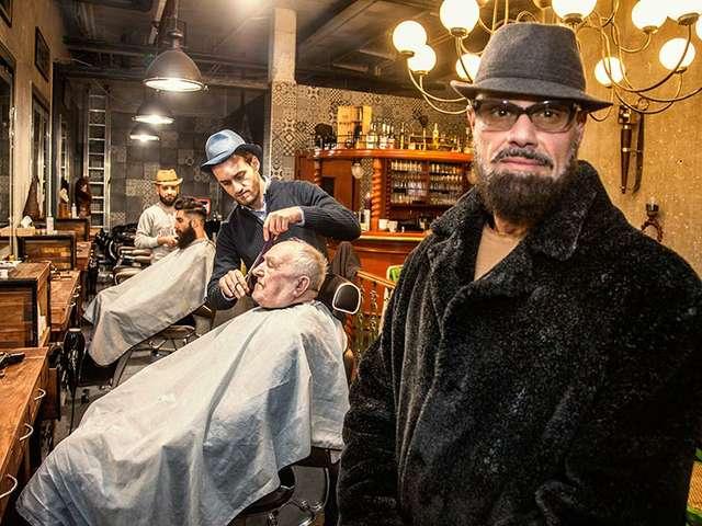 Panos Kondogtis und seine Jungs im Men's Barber Shop