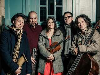 Julvisor - FolkPop-Quintett