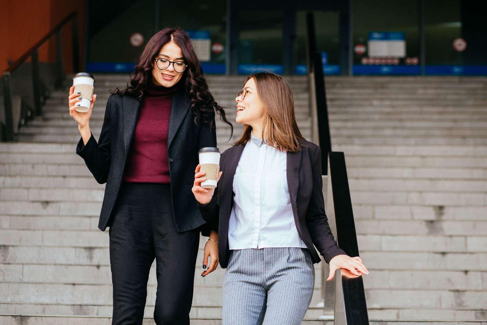 Feminin Und Serios Die Richtigen Business Outfits Fur Frauen