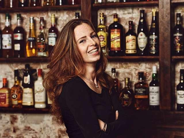 Phönix-Chefin Henrriette Lünenberger ist nicht nur beim Cocktailmixen kreativ