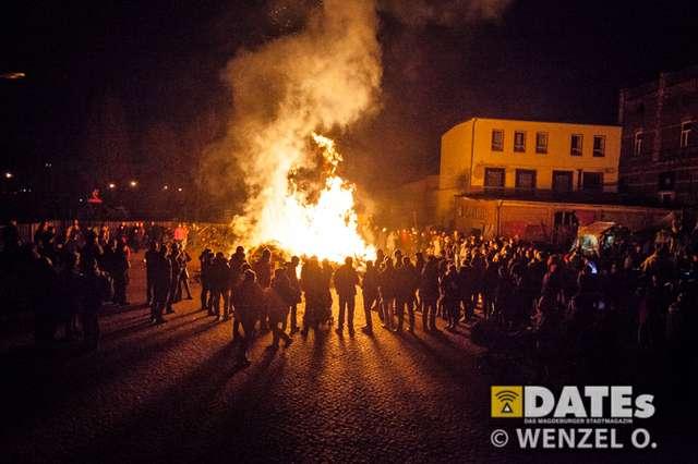 osterfeuerwerk4-513-(c)-wenzel-oschington.jpg