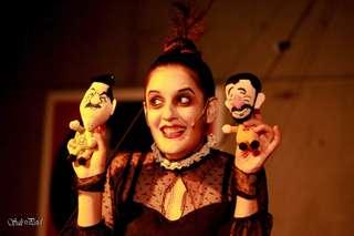 Puppentheater Blickwechsel The Dictators Mom