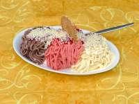 WM-Spagetti-Eis vom Eiscafé Pinguin