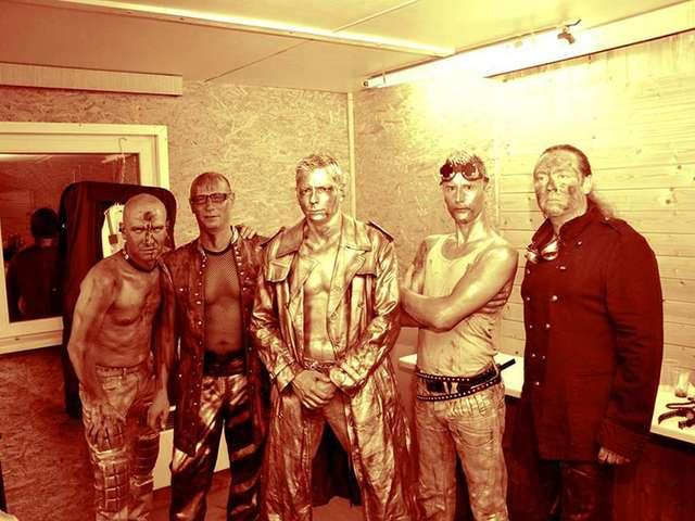 Tänzchentee als Rammsteincoverband