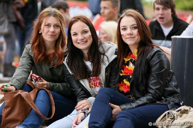 Fußball-WM-2014-Public-Viewing-Strandbar_12_Foto_Andreas_Lander.jpg