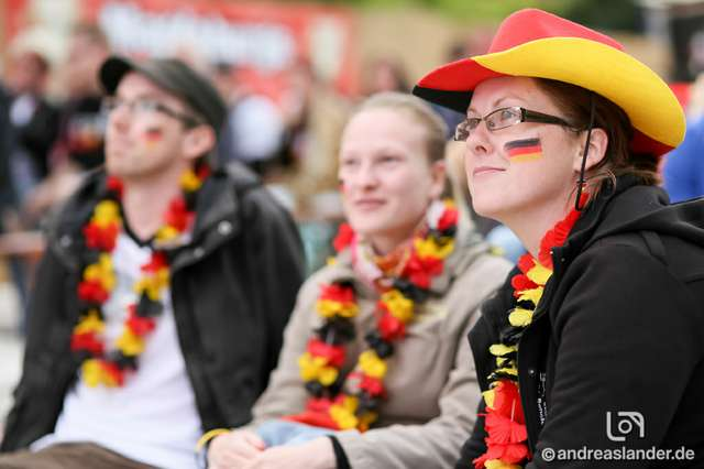 Fußball-WM-2014-Public-Viewing-Strandbar_05_Foto_Andreas_Lander.jpg