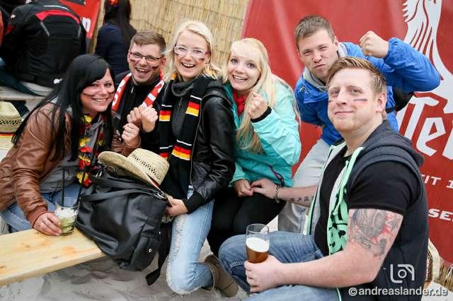 Fußball-WM-2014-Public-Viewing-Strandbar_18_Foto_Andreas_Lander.jpg