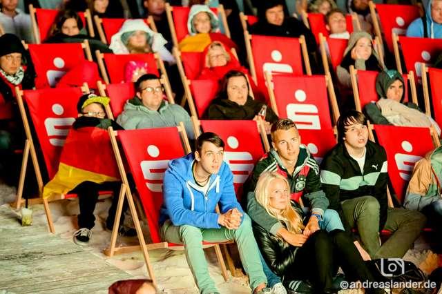 Fußball-WM-2014-Public-Viewing-Strandbar_28_Foto_Andreas_Lander.jpg