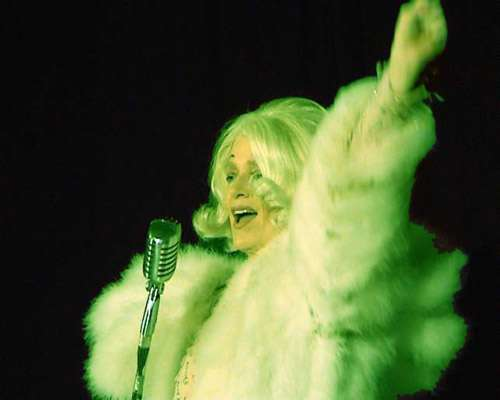 Susanne Bard als Marlene Dietrich.jpg