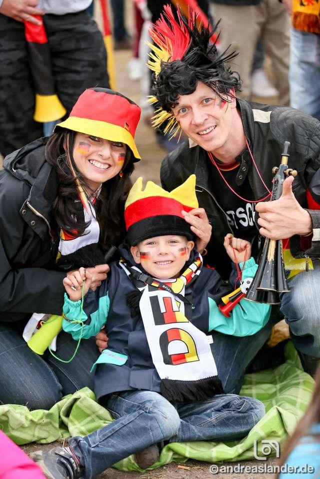 Fußball-WM-2014-Public-Viewing-Sommerluft_04_Foto_Andreas_Lander.jpg