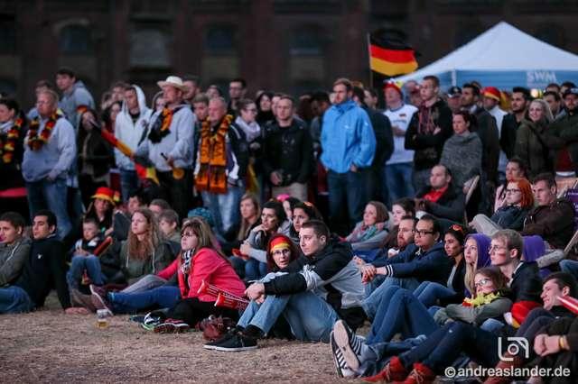 Fußball-WM-2014-Public-Viewing-Sommerluft_22_Foto_Andreas_Lander.jpg