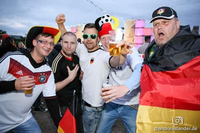 Fußball-WM-2014-Public-Viewing-Sommerluft_01_Foto_Andreas_Lander.jpg