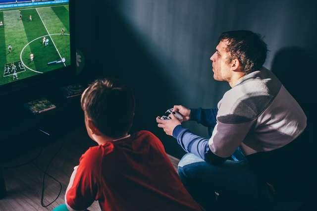 Fifa zocken an der Playstation
