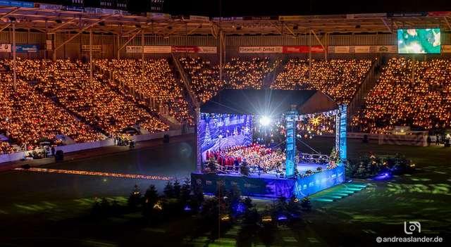 Weihnachtssingen Magdeburg 2018 Stadion Bühne ╕ Andreas Lander.jpg