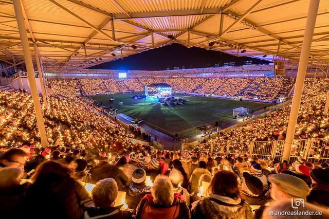 Weihnachtssingen Magdeburg 2018 Stadion Totale ╕ Andreas Lander.jpg