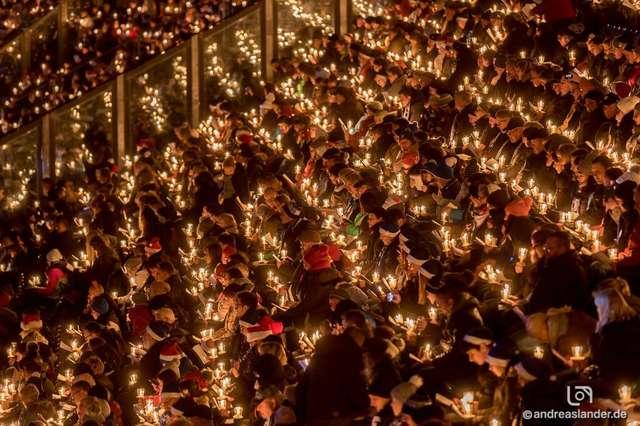 Weihnachtssingen Magdeburg 2018 Tribünen6 ╕ Andreas Lander.jpg